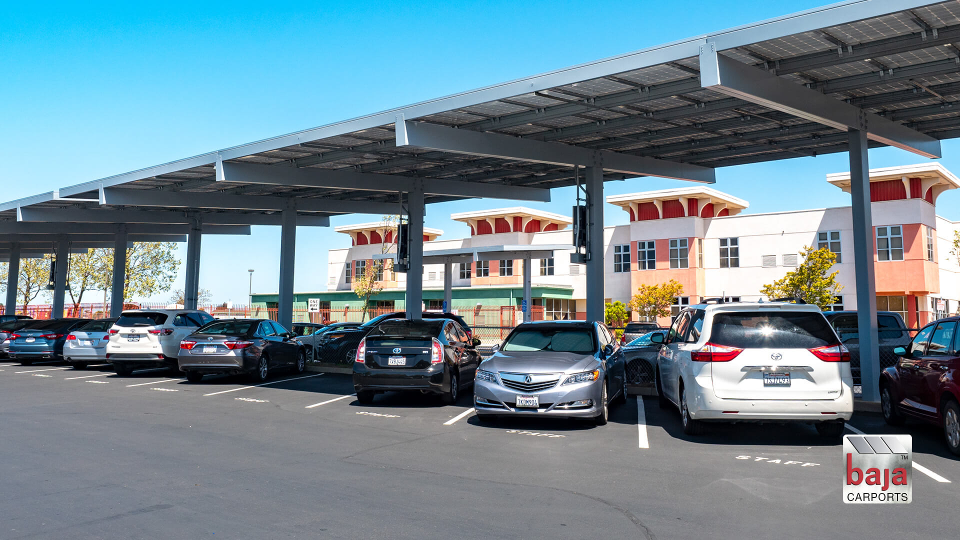 california schools teachers at delaine park under solar carports