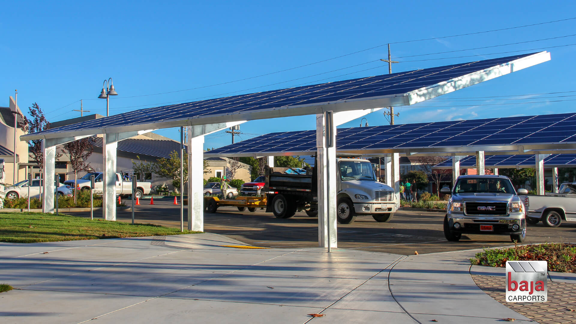 napa california students and teachers park under solar carports